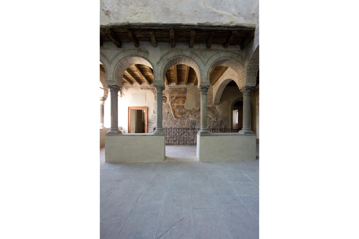 Comm.: città di Bergamo - Restauro del Palazzo del Podestà i fini museali - archh. Tosi, Baretti, Boldorini e Gonella - Patio coperto (Foto P.Stroppa)