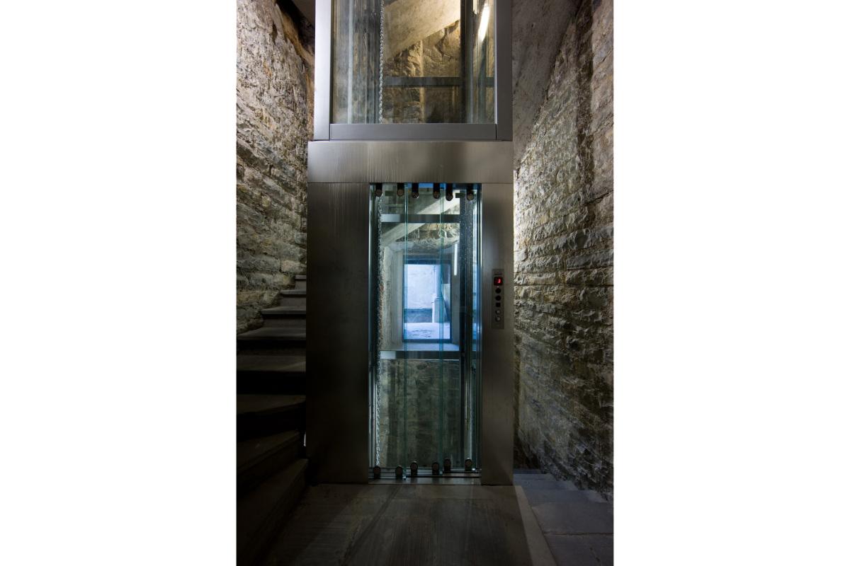 Comm.: città di Bergamo - Installazione nuovo ascensore e restauro della torre del Campanone - archh. Tosi, Baretti, Boldorini e Gonella - Accesso intermedio (Foto P.Stroppa)