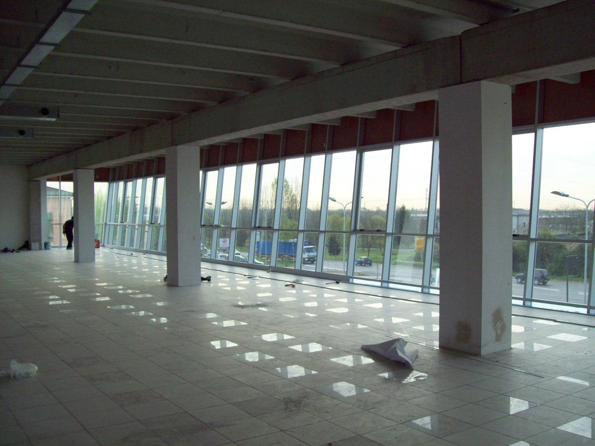 Ciserano - Committenza privata - Edificio terziario-commerciale - Uffici al primo piano